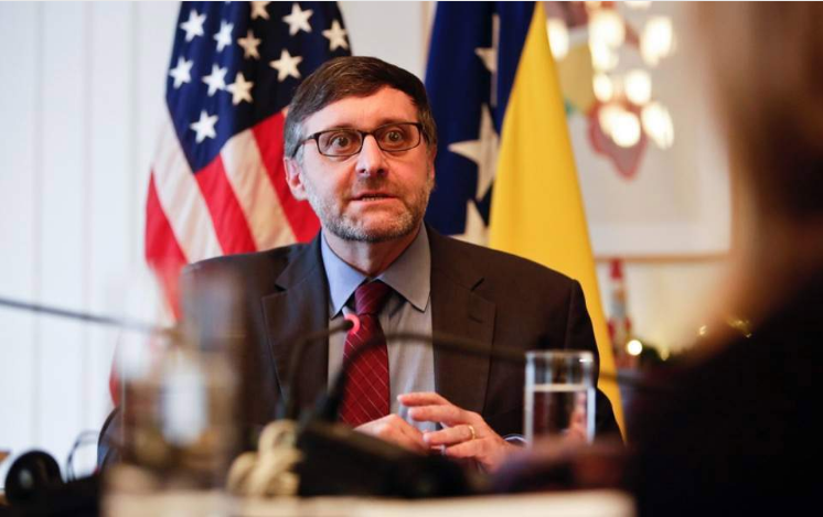 Палмер: САД не прифаќа ништо помалку од целосна имплементација на Преспанскиот договор