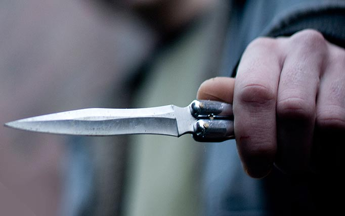 "Млад скопјанец прободен со нож на ""Џон Кенеди"""