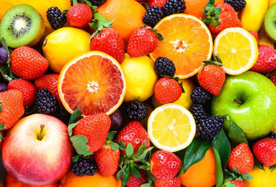 СЗО објави листа од 12 најотровни производи: Овие овошја и зеленчуци имаат најмногу пестициди!
