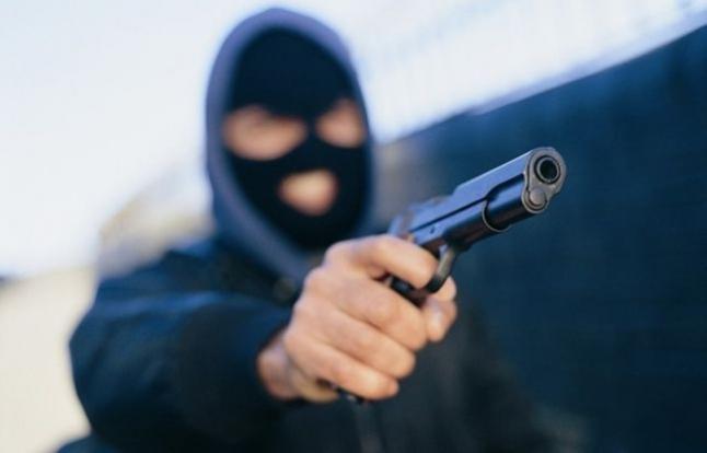 Вооружени напаѓачи ограбиле скопјанец