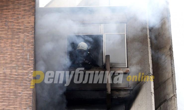 """Осум пожарникари го гасеа огнот во куќа на """"Димо Хаџи Димов"""""""