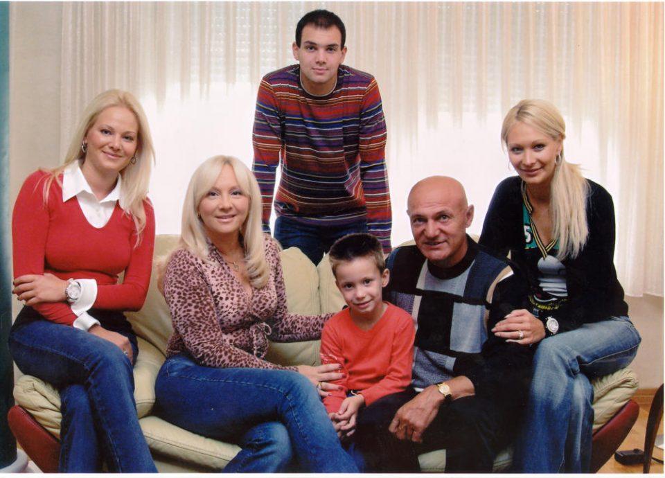 Ќерката на Шабан Шаулиќ прозборе за тестаментот на пејачот, еве кому ќе му припадне имотот и наследството
