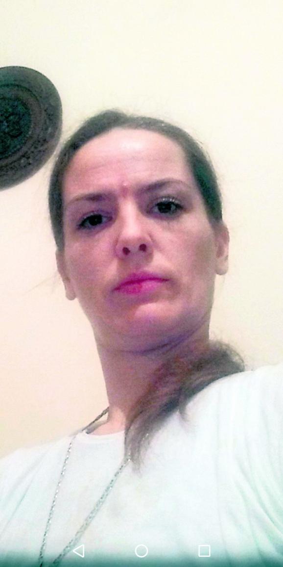 На жена со метастази на коските ѝ рекол дека лекарите се дебили и ја лекувал со сурова храна