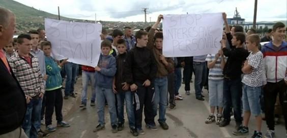 Им ја плаќаме струјата на жителите на Арачиново, Пластичарска, Бит пазар