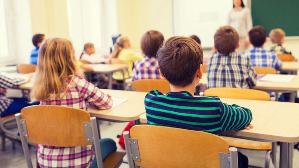 Наставничка удрила дете со дрвен предмет во училиште во Челопек