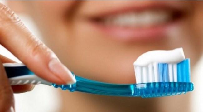 Оралната хигиена на ниско ниво: Едно од три лица заборава да ги измие забите