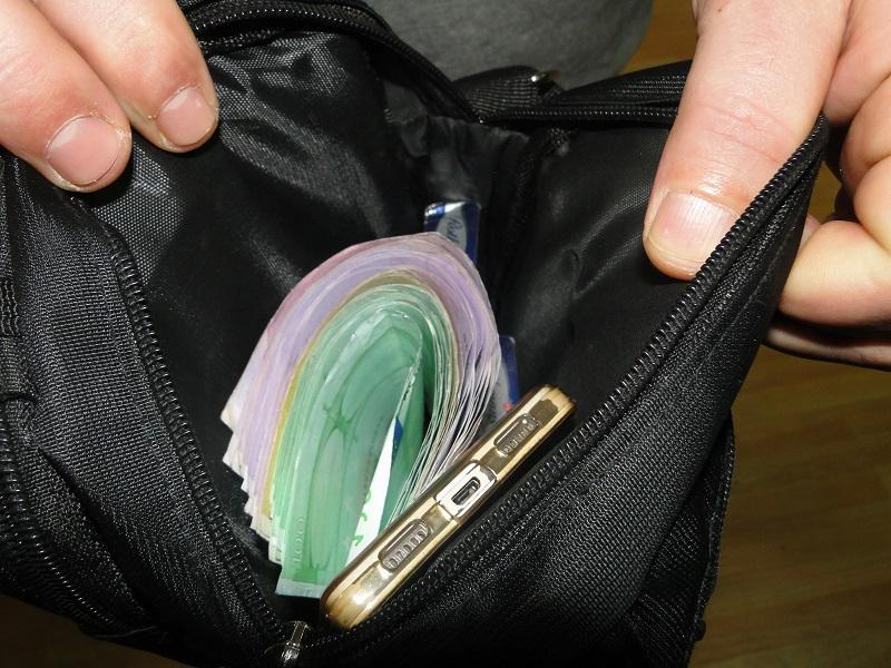 Ортачки украле ташна со 15 000 евра, едниот крадец е во притвор, по другиот се трага