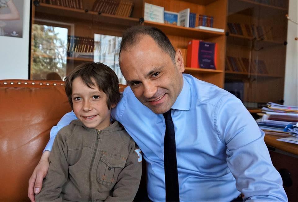 Филипче го одржа ветувањето: Милош кој со магаре оди на школо или пешачи по три часа е со добро здравје