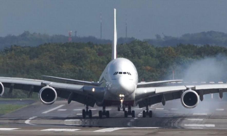 Знајте ги вашите права: Ова мора да го знаете ако патувате со авион