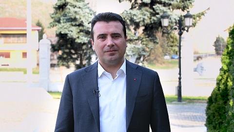 """Заев вербално нападна новинар по """"метлата"""" во СДСМ"""