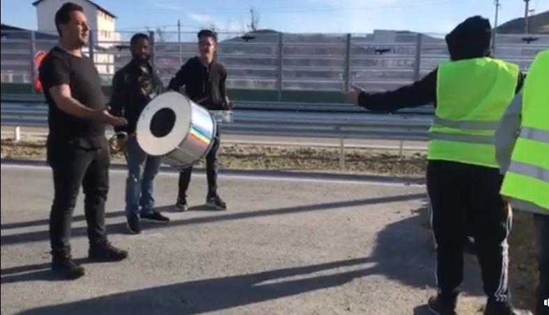 Музичарите вратени дома, автопатот Штип-Миладиновци ќе се отвара в година