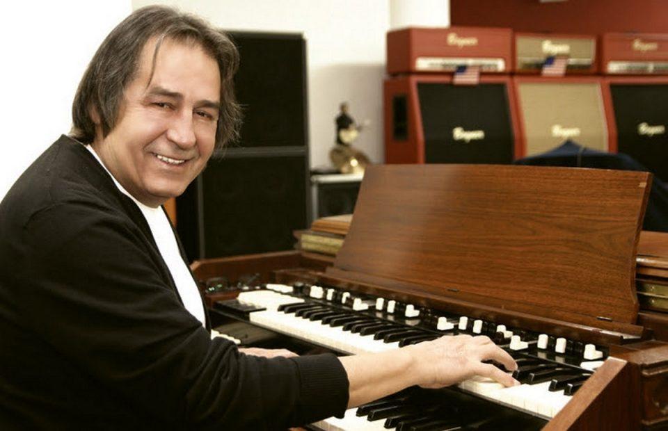 Одложена промоцијата на албумот на Тихомир Поп Асановиќ поради здравствени причини