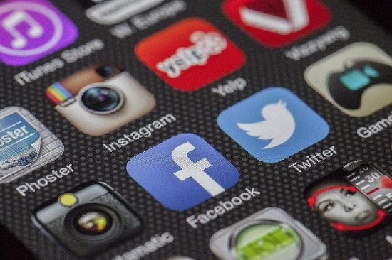 Помалку време на социјални мрежи намалува ризик од депресија
