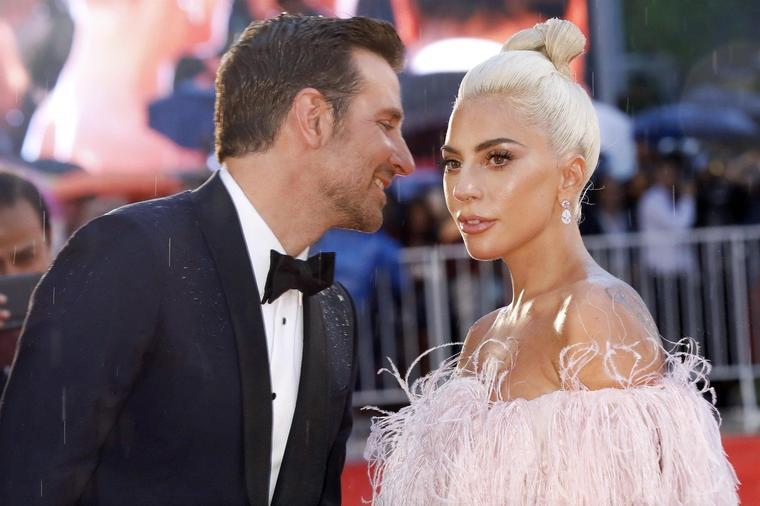 Не е со Бредли, но Лејди Гага сепак е во врска со познат актер