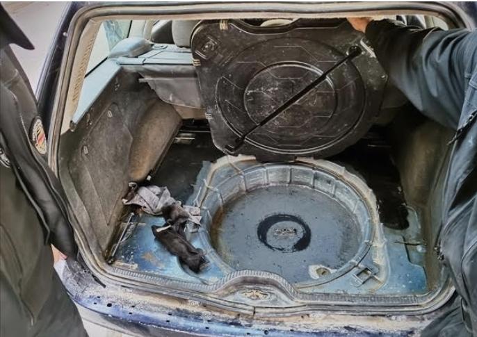 Откриен хероин и запленети автомобил со бункер, автоделови, девизи и фалсификати