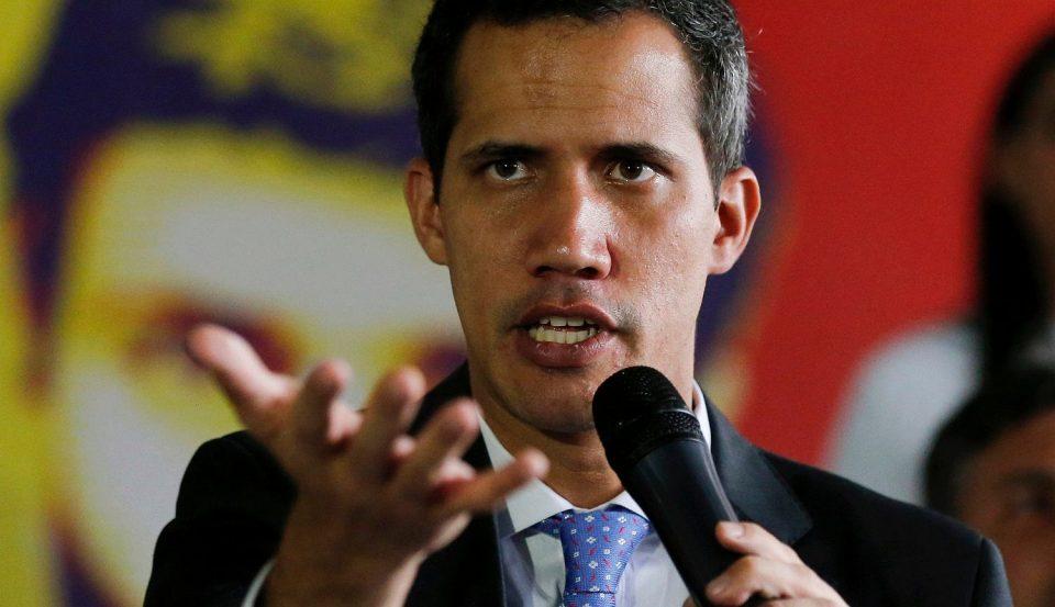 """Несудениот """"демократски"""" претседател на Венецуела обвинет за проневера"""