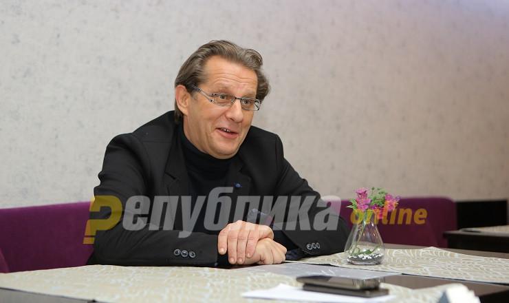 Џамбазов: Ех, да се сите криминалци како мене, кај ќе ни беше крајот…