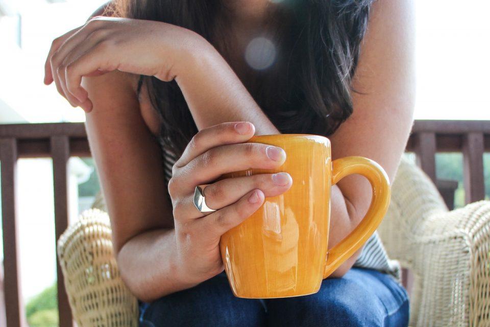Дали чајот и кафето се сметаат како внесување вода?
