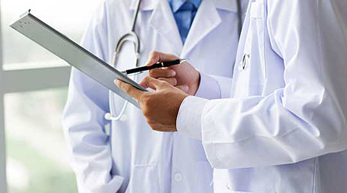 Kуба враќа од Боливија 226 свои лекари по оставката на Моралес