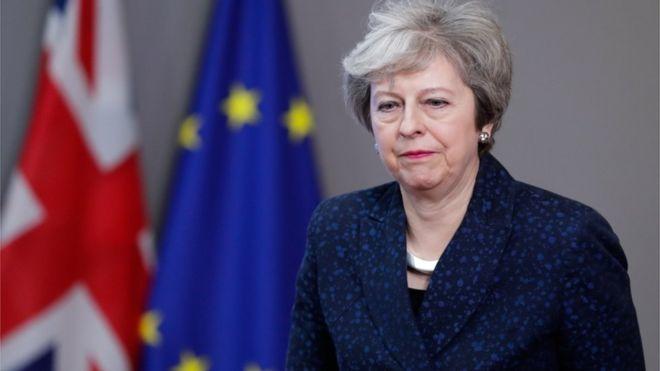 Меј ќе организира трето гласање за Договорот за Брегзит