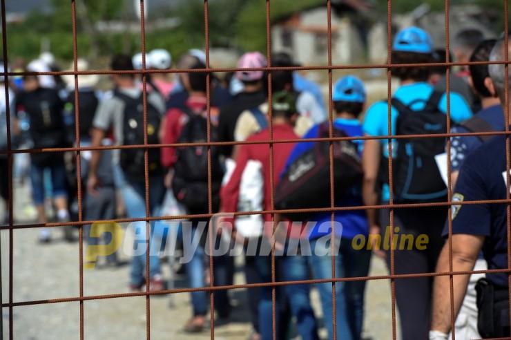 Од Индија, Кашмир, Пакистан, Авганисан: Комбе со 43 мигранти запрено кај Прдејци