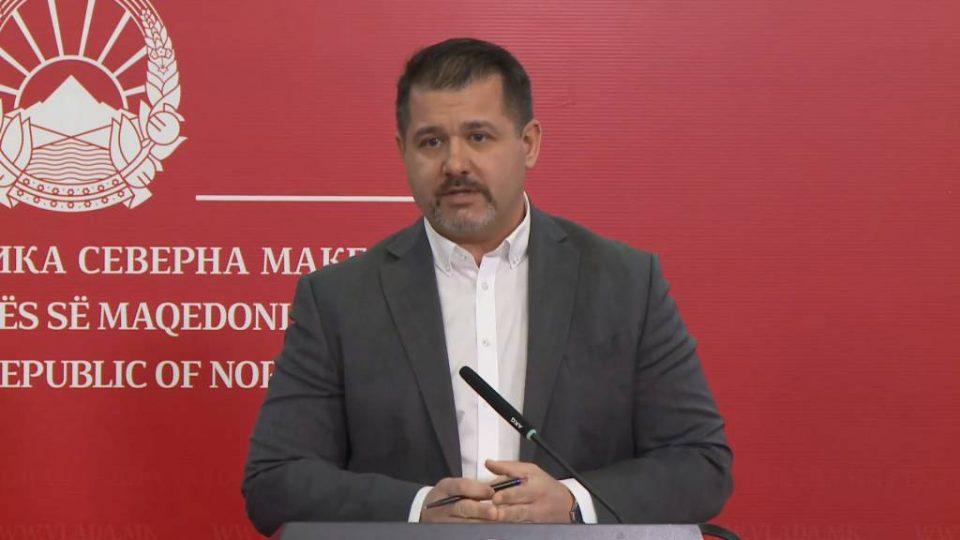 """Бошњаковски ги разбранува духовите: Кој е тој """"друг јазик"""" во Грција!?"""