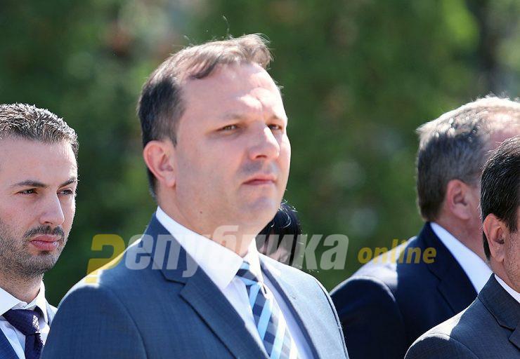 Заврши времето кога Спасовски наместо да ги гони криминалците, го користеше МВР да ги штири