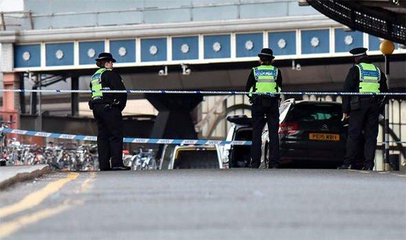 Три пакети со експлозив пронајдени на аеродромите во Лондон