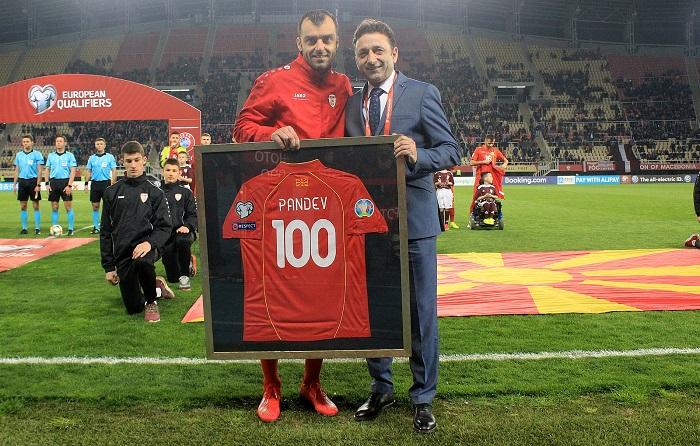 "Горан Пандев ""мистер 100"""