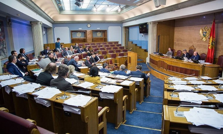 Црногорскиот парламент повторно го усвои Законот за слобода на вероисповед