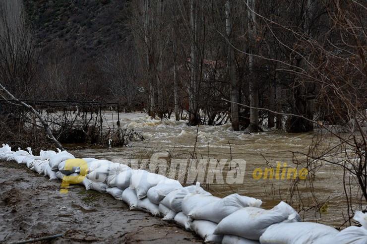 Ангелов ги предупреди градоначалниците: За еден месец можни се големи поплави