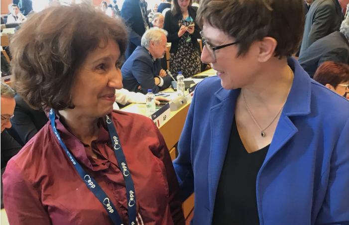 Лидерката на германската ЦДУ ѝ порача на Силјановска: Се надевам ќе станете првата жена-претседател