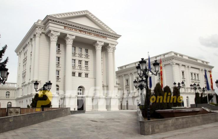 Владата ќе одржи седница напладне, оставките не се на дневен ред