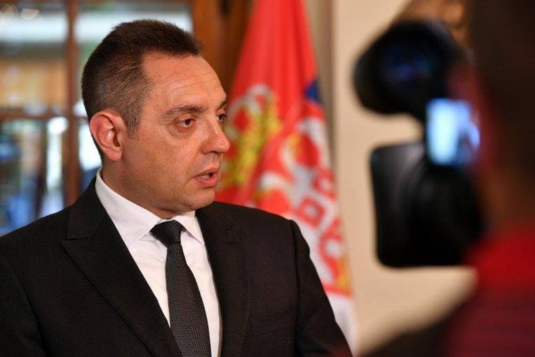 Александар Вулин: Српската армија не тргнува никаде