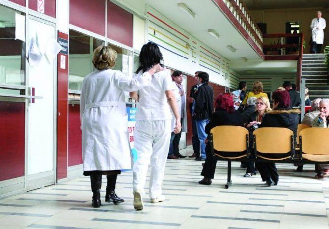 МЗ: Платата на лекарите наредната година да достигне 100 илјади денари