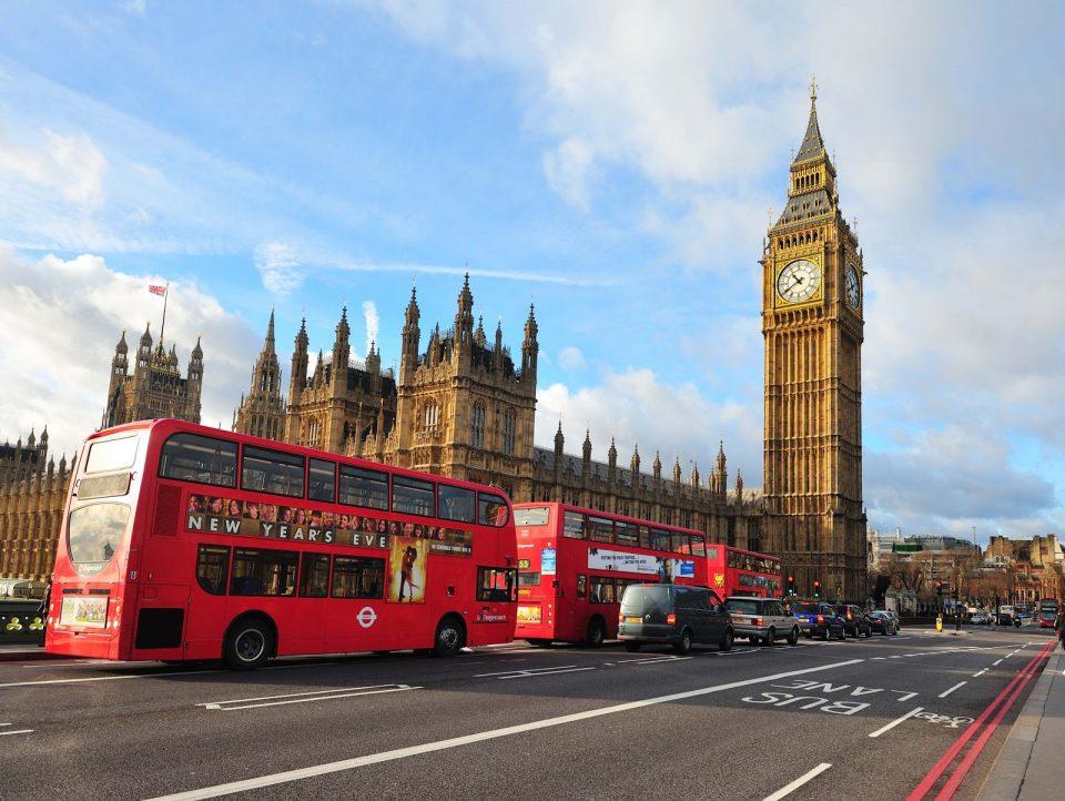 Британската Влада апелира до граѓаните да учествуваат во клиничките испитувања за вакцината против Ковид-19