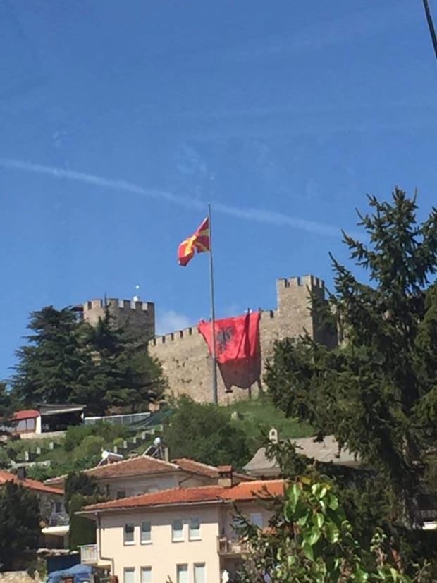 Пендаровски: Казната за човекот кој го постави албанското знаме во Охрид можеби е превисока