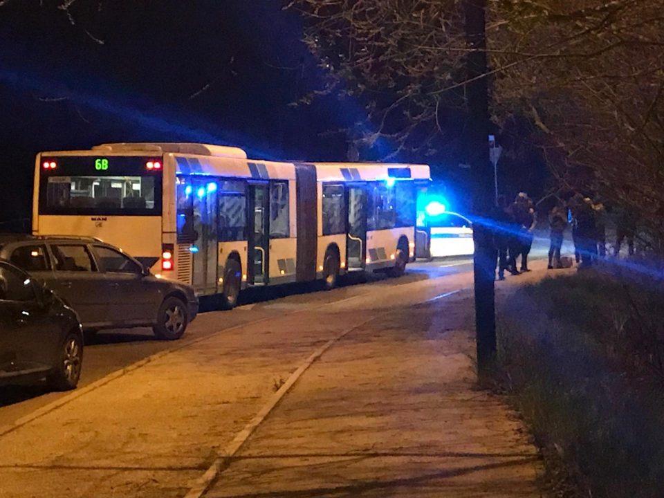 Maж со нож киднапирал автобус полн патници во Љубљана, па починал