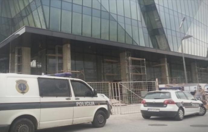 Лажна закана за поставена бомба во трговски центар