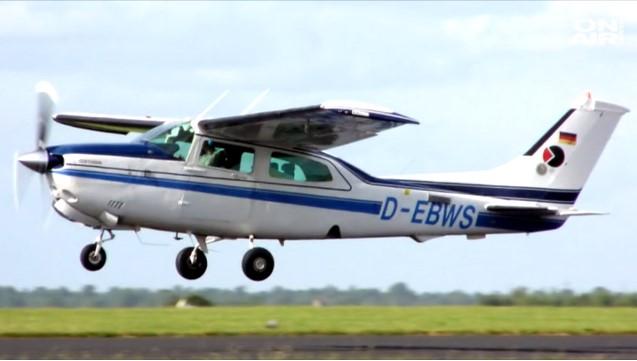 Контролорите: Пилотот јави дека е турбулентно и го снема од радар