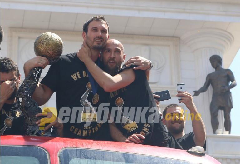 Дибиров се збогува: Македонија и Македонци – фала ви за сѐ!