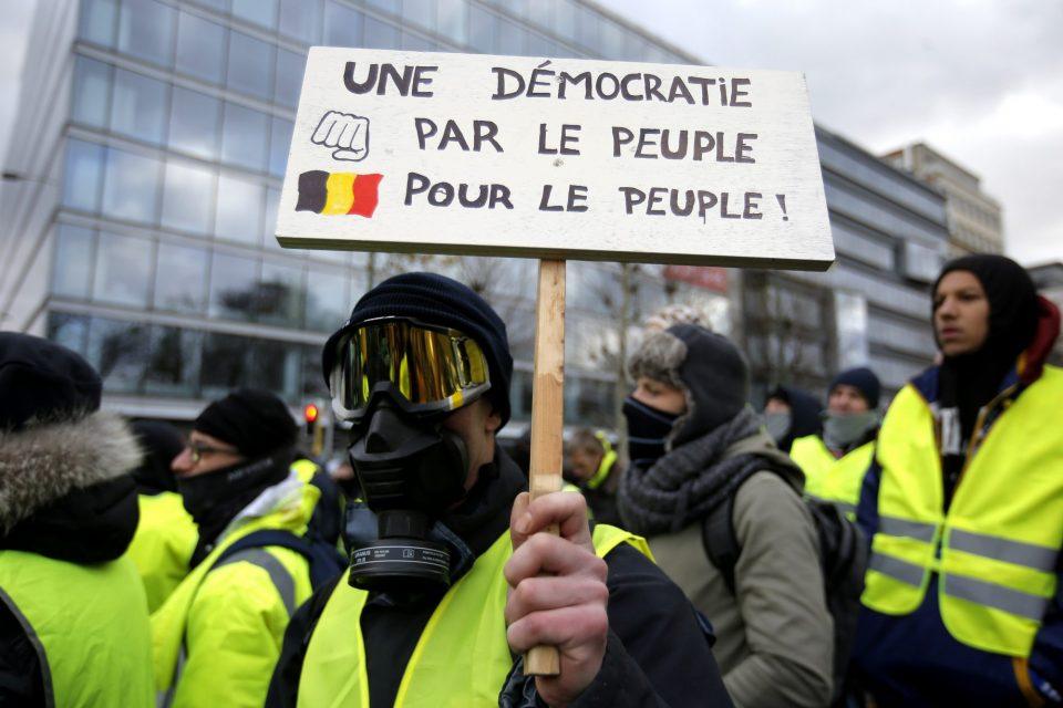 За денешните протести француската Влада мобилизира 60.000 полицајци