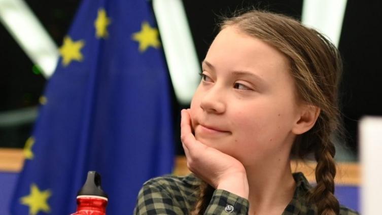 Шведската тинејџерка со молба до светските лидери: Спасете го светот како што сакате да ја спасите катедралата Нотр Дам