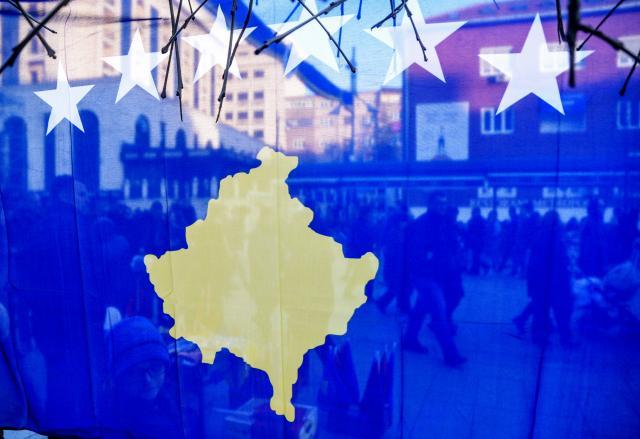 Политика: Десет земји подготвени да го повлечат признавањето на Косово