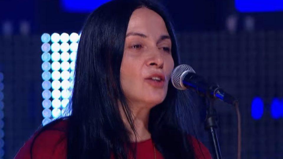 Не напушти најубавата…- почина пејачката на бендот Дисциплина кичме!