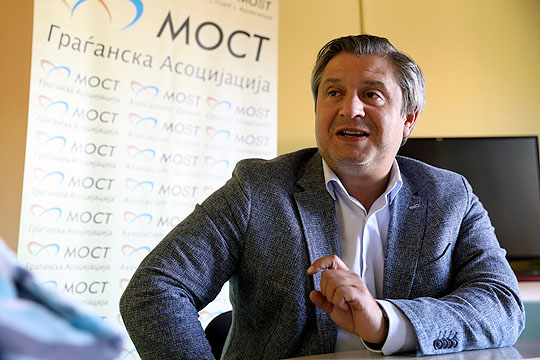 МОСТ: Во Студеничани лице одбило да отклучи гласачко место