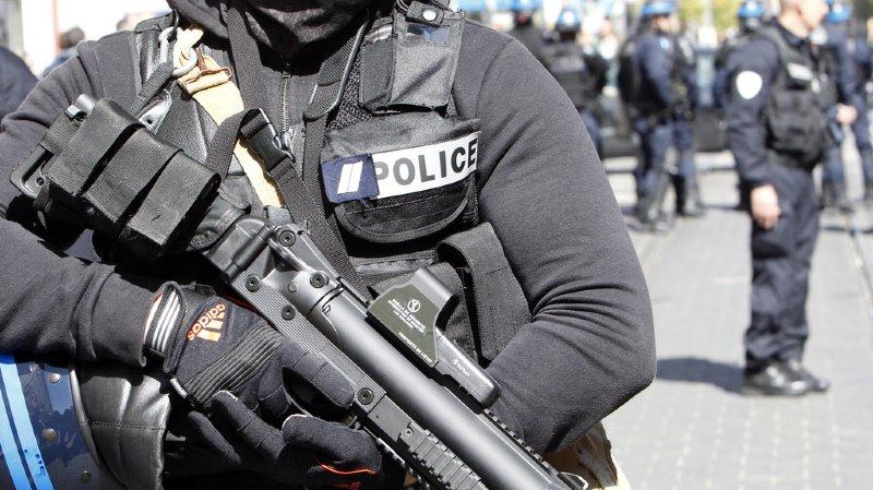 Апсења во Франција: Планирале терористички напад врз безбедносните сили