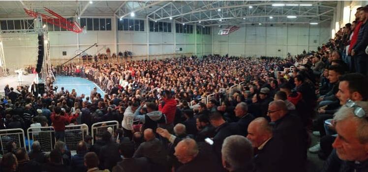 ДУИ има од што да стравува: Погледнете ја посетеноста на митингот на Блерим Река во Тетово