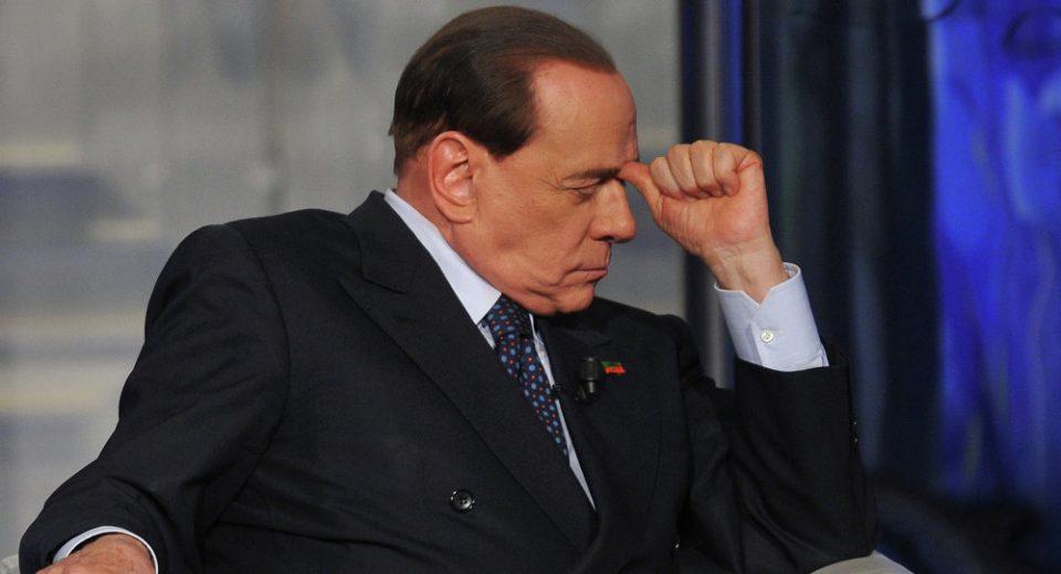 Силвио Берлускони итно пренесен во болница