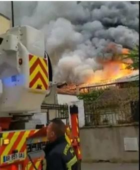 Пожар во Версај